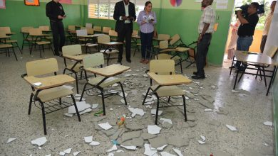 Photo of Ministro Educación dispone intervenir aula por desprendimiento de pañete en escuela